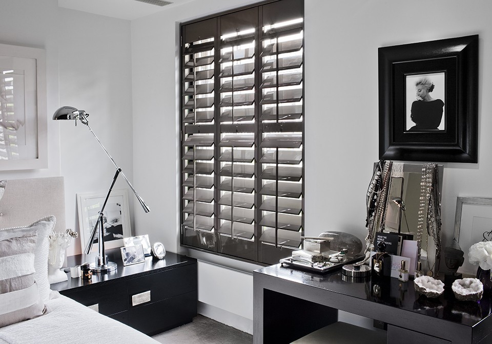 Dark Lead shutters in high gloss with wide slats