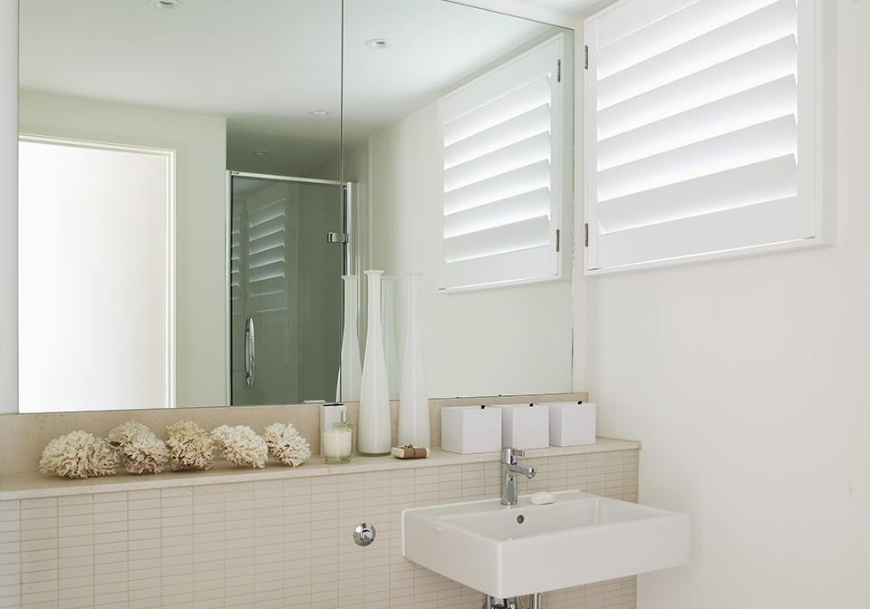89mm louvered shutters for a light bathroom