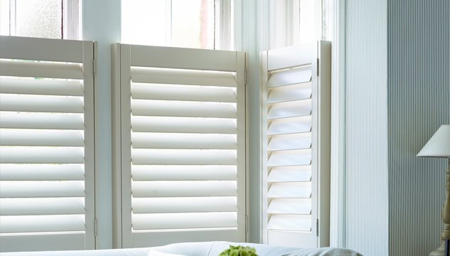 Cafe style interior window shutters at diy shutters uk for Shutter styles